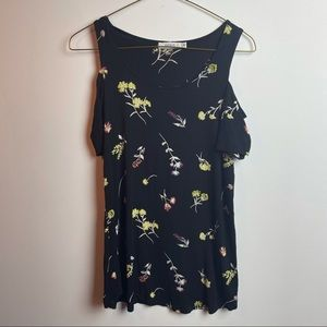 Ricki's floral top size small
